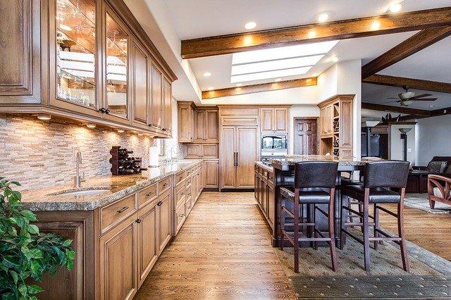 półki drewniane do kuchni
