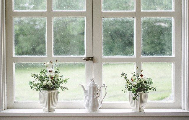 jak zasłonić okno przed sąsiadami