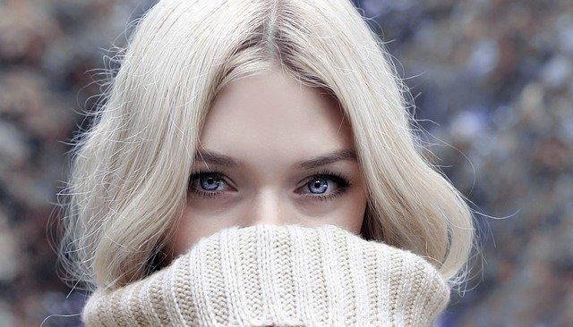 cienie do niebieskich oczu